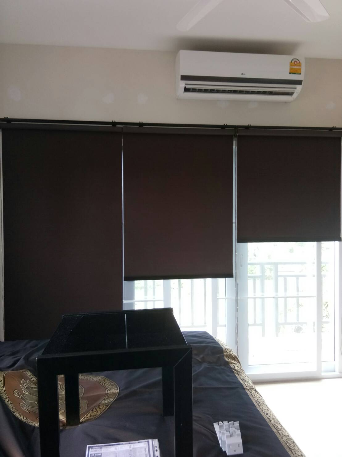 Nitchapat service & selections in Phuket for Curtains, Wood Blinds, Roller Blinds, Vertical Blinds, Sofas, Cushioned Seats, Cushions, Wallpaper & Carpet