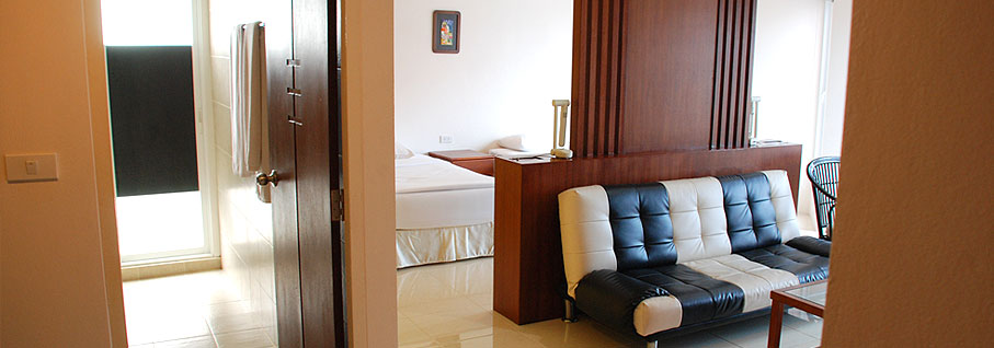 The Pier - Apartments Hotel Rooms Ao Chalong Phuket Thailand
